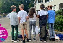 Kinder auf dem Pausenplatz