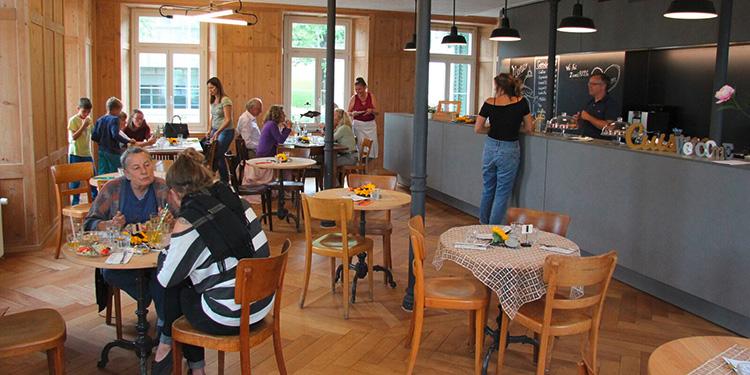 Café wieder geöffnet