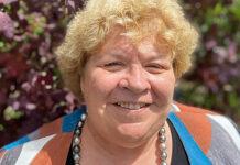 Die Pfarrerin Anne-Käthi Rüegg-Schweizer schaut mit Neugier in die Zukunft. (Bild: ab)