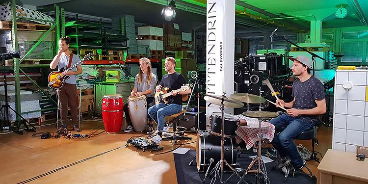 Im Drucksaal der Fröhlich AG wurden sphärische Klänge der Band Sodar aufgezeichnet. (Bild: cef)