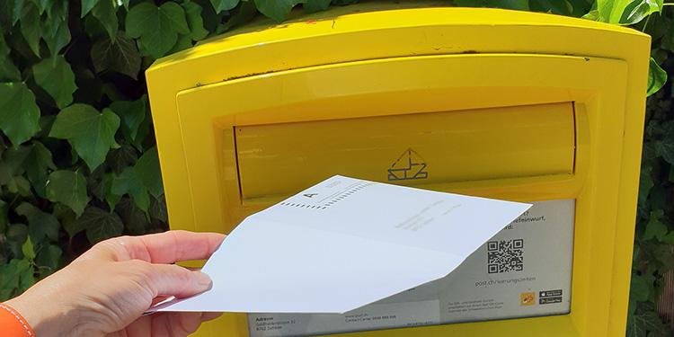 Der Pöschtler bringt und holt die Post