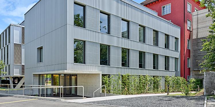 Spital Zollikerberg eröffnet neuen Anbau